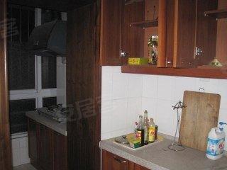 华云园3室精装修 赠送60平米的地下室 带30平米的小院