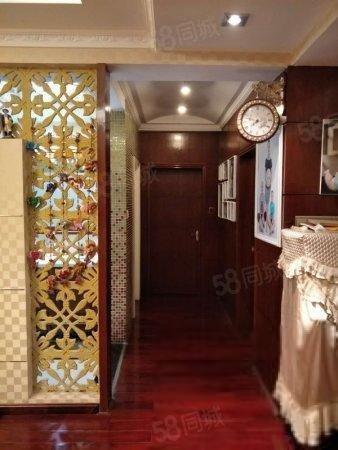欧式 金山/(出售) 万科一期欧式豪装大三房 中西式厨房 豪装保养好拎包即住