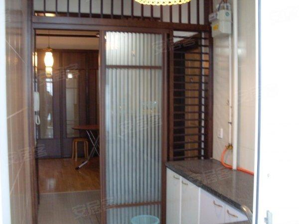 高新园区 精装修二室两厅一卫 性价比高 多层住宅 稀有好房高清图片