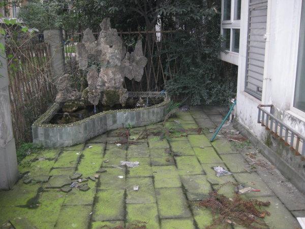 亲 城西超好精装好房 带赠送花园20多平米花园 你还在犹豫吗