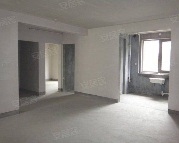 城 宽景1楼送地下室和大花园 房东低价出售