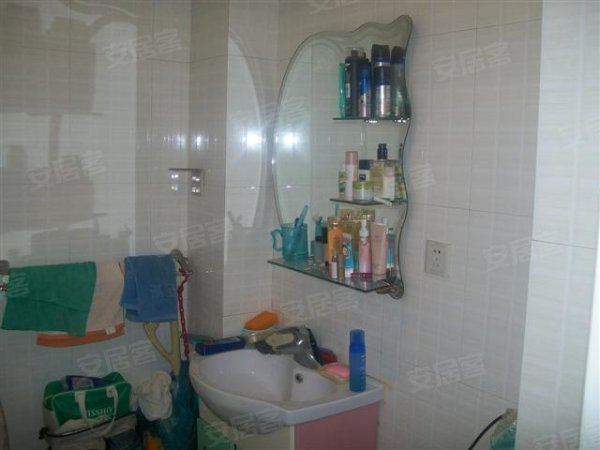 一室一厅 精装修 可改两室 多层得房率高
