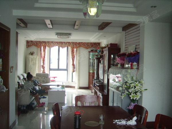 红木的家具,实木的地板,看房有钥匙,有意请联系鼎丰小张:*  您高清图片