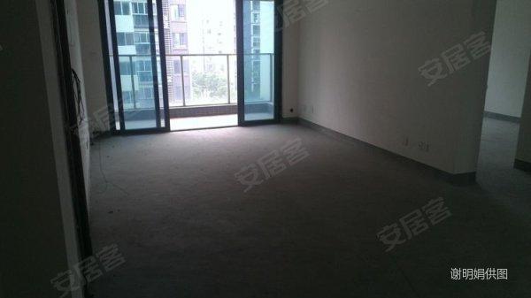 朗悦湾小区中心位置,小三房中的经典 两房的价格买三房, 朗高清图片