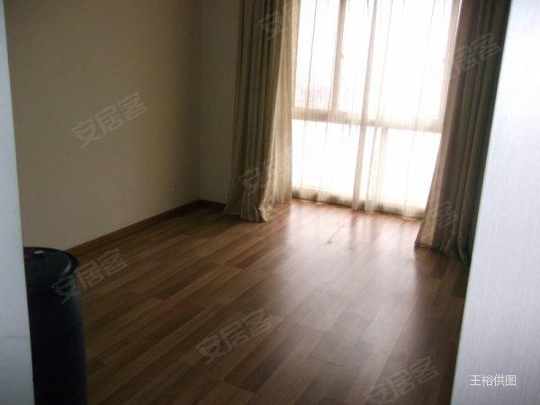 创意英国三室二厅精装修空房子可以长租办公居家的赶快啦