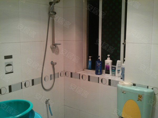 环境优雅 装修保持的 超划算的优质2房