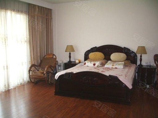 万博翠湖独栋别墅,带320大花园,证过五年,100 实用率