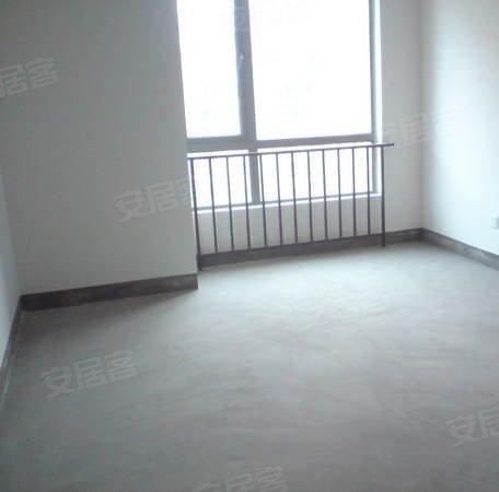 二期毛坯三房 一楼带地下室花园 楼王位置三面环水亲水平台
