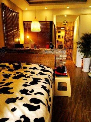 绣城对面,豪装装修东南亚风格一室,附室内实景图图片