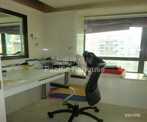 香岛楼王复式,开发商装修 自己装修 双厨房 看房随时,诚售