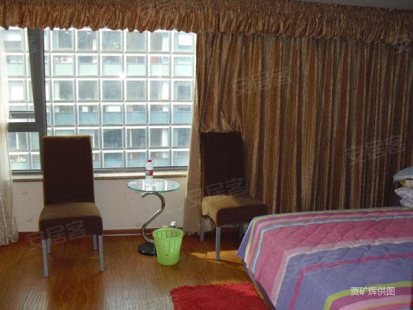 精装修一居室大开间便宜出售