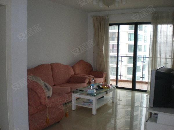 5300元, 普通装修三房出租, 很便宜的高清图片