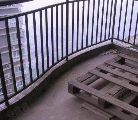 小什字核心 地铁车站旁 黄金地段 金禾丽都超级稀缺两房出