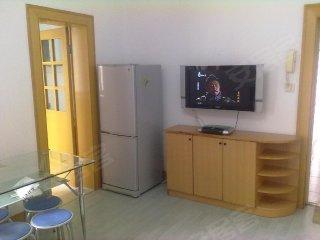 豪华中式装修,纯柚木地板 明清风格的家具 交通便捷,拎包入