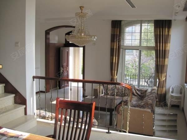 白金瀚宫美式简约低调奢华的装修业主诚心急售看房方便高清图片