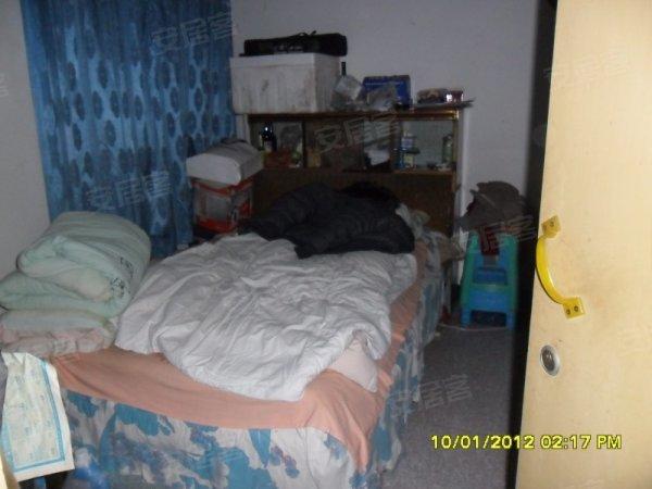 白鹤小区 卧室