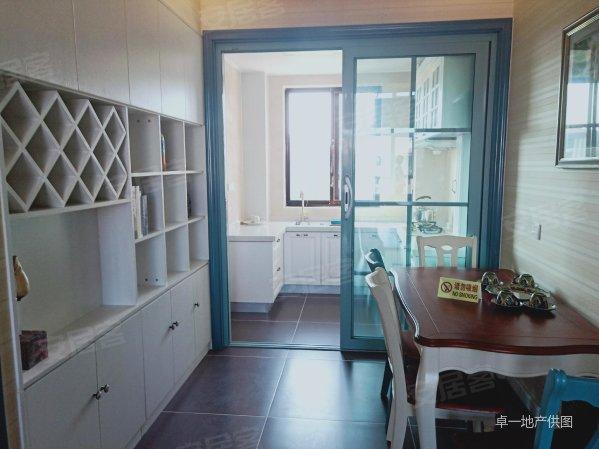 威海石岛凤凰湖 清盘 特价出售 现房即买即 阳台