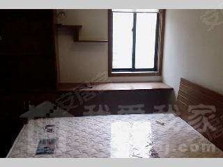 06年双学区房,商品房两梯三户,两房朝南,欧式装修风格
