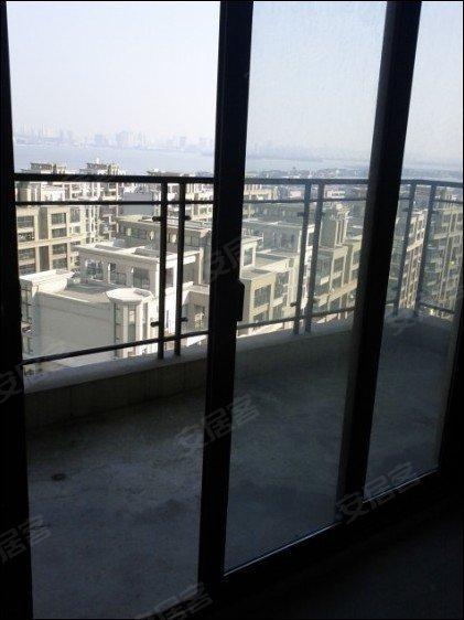 中海打造金鸡湖边高端住宅小区 稀缺4 1房 适合一家人居住