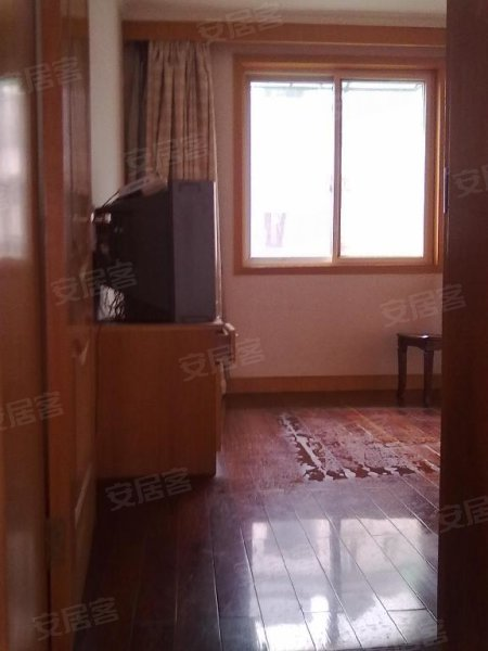 1900元, 两室一厅,房子装修清爽,首次出租,价格超值哦 安居客
