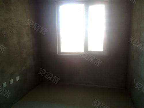 3.此房为清水房,方便您按照自己的意向设计装修每平低于同