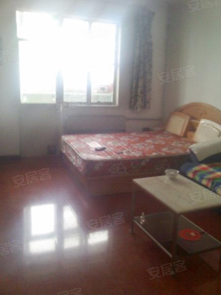 村万泉河路东侧妇产医院后身,5500元,3室1厅1卫,豪华装修,整高清图片