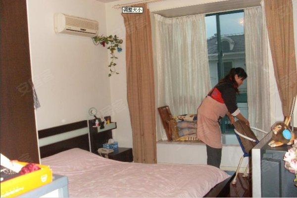 五星级酒店公寓装修标准,轨道旁,配置齐全,拎包入住,有钥匙