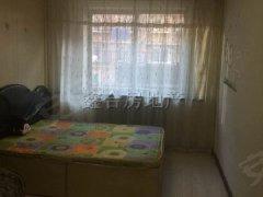 精装修两室一厅 楼层好 家电家具齐全 含暖气 拎包就住