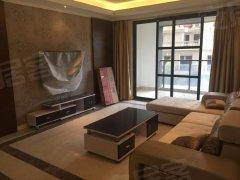 宝龙大酒店,荣誉酒店旁世贸御龙湾,精装三房两卫,租金2700