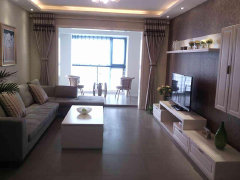 泉舜,精装大三室、精致配置、全新的家具家电,临近商圈!