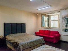 福兴小区1室1厅1卫,押一付一,精装修。