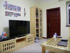 万兴新居一期1室1厅1卫,押一付一,精装修。