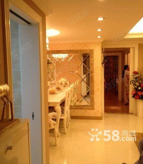 出租 东湖花园 3室 豪华装修160平方4500元带车位