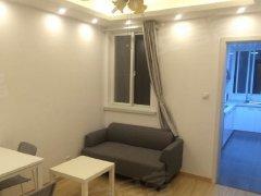 整租,枫叶小区押一付一,1室1厅1卫,精装修。