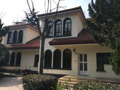 豪华装修,自住樶优,花园3百,业主诚租,看房随时,价格可谈