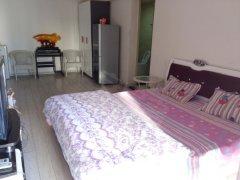 好房急租,室内所需家具家电全齐,可拎包入住。环境温馨干净。