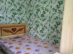 本人女房东直租:精装修的一室一厅一厨一卫,不是那种隔出来那种