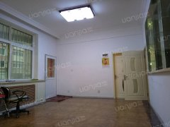 金华小区二期精装两室可商用1800/月