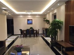 新区保利花城 4室2厅139平米 豪华装修 押二付一