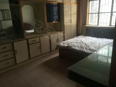 广场 麦积山路3楼两室一厅家具齐全拎包入住看房方便