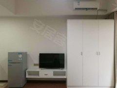 整租,百雅百苑押一付一,1室1厅1卫,精装修。