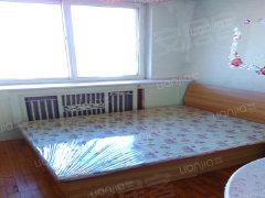 环保小区简单装修两室一厅押一付三1100月