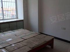 中泰金泽苑 1500元 3室2厅2卫 中装,楼层好,有匙即看