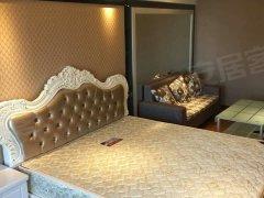 荣誉酒店万达旁世茂御龙湾 仅租一千二 精装修温馨湖畔丽景公寓
