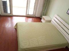 拎包入住,房间布置简单干净,有阳台,家电家具齐全