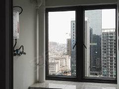 天虹对面、精装一房、全新家私家电、拎包入住