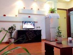 凯江新城1室1厅1卫,押一付一,精装修。