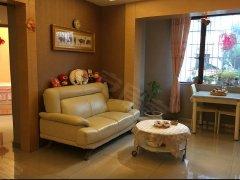 凤岗小区1室1厅1卫,押一付一,精装修。