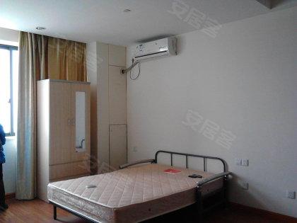 金沙居53方精装全配单身公寓 带有小阳台 解决晾衣服难题