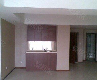 精装修套房,两室一厅一卫一厨,有注册地址,可以办公注册的房高清图片